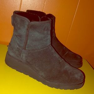 UGG 1012497 Kristin Black Sheepskin Wedge Boots